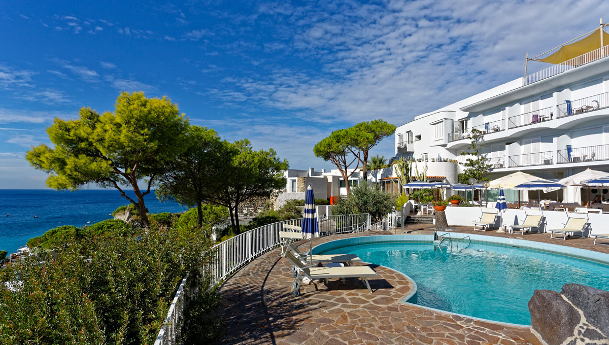 Hotel a ischia con piscine termali esterne e interne - Piscina san giorgio jonico ...